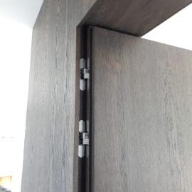 Drzwi w ścianie D8